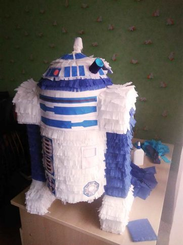 Пиньята робот R2-D2